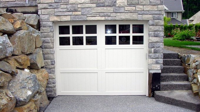 Garage door options aluminum windows vinyl windows for 18x8 garage door